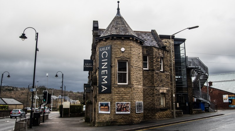 My Weekend in Ilkley, Yorkshire: Ilkley Cinema, Glamping & Cafes, walking in Yorkshire Dales, featuring Daniel's Cafe Bistro, The Veggie and Toast House in Ilkley, West Yorkshire | almostginger.com