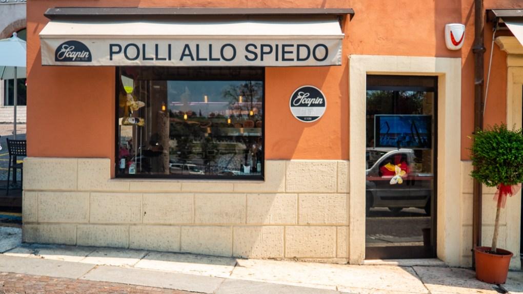 Gastronomia Scapin Ponte Pietra grocery store in Verona, Italy