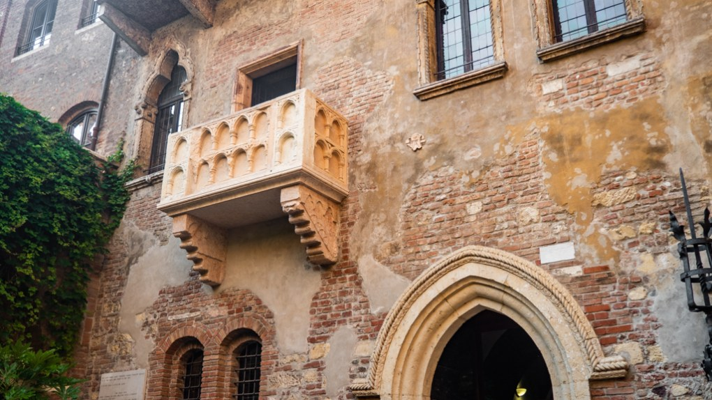Casa di Giulietta balcony and courtyard which are Letters to Juliet filming locations in Verona, Italy