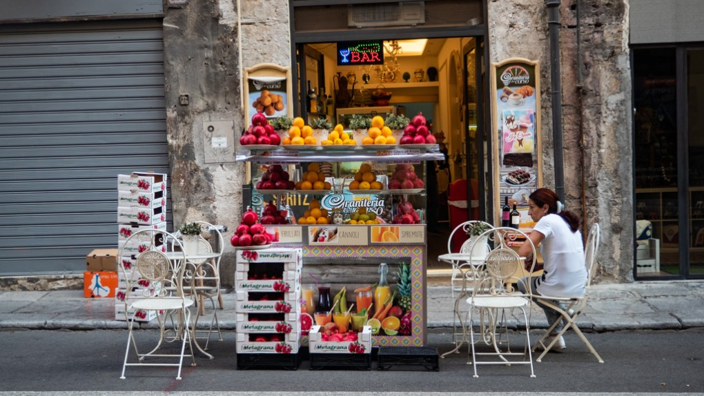 Granita stand on Via Vittorio Emanuele in Palermo, Sicily | 48 Hours in Palermo, Sicily Travel Guide