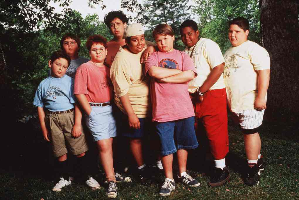 Heavyweights (1995) film still featuring eight overweight campers