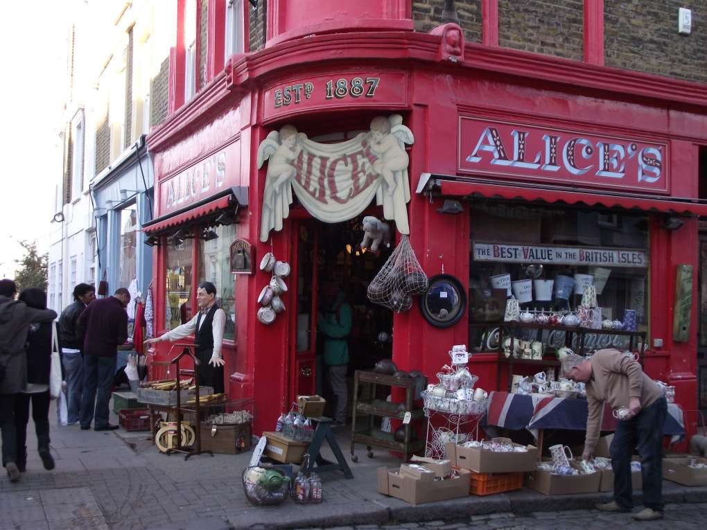 Alice's Antique Shop in Notting Hill, London in England
