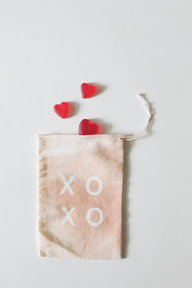 DIY XO treat bags