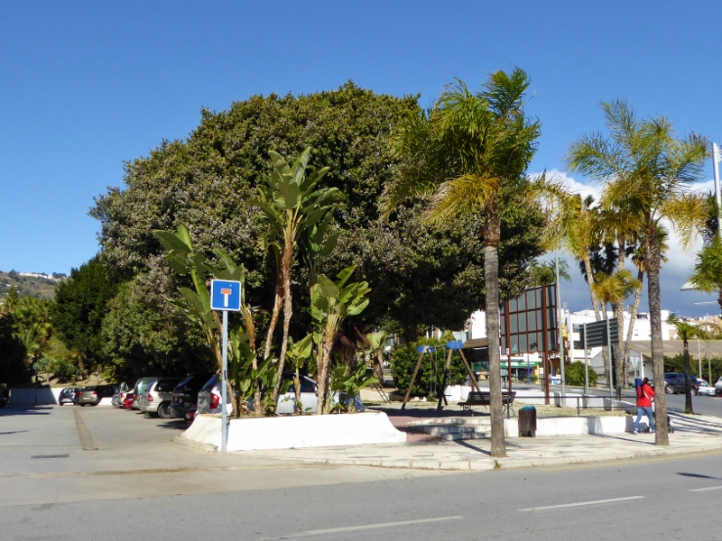 Almuñécar Playgrounds and Parks near Friday Market and N340