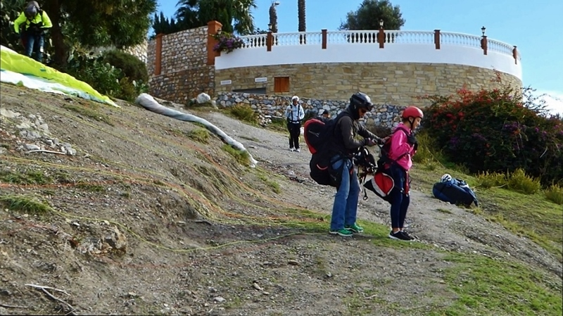 Have you ever dreamed of flying?Granada has some of Europe's most southern sites for paragliding Spain!Try a tandem experience with Hotel California.