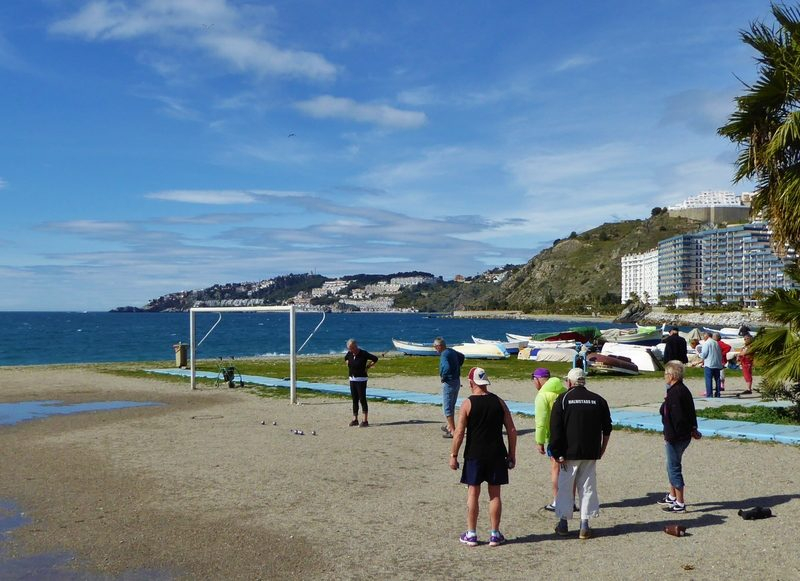 How To Play Petanque And Where To Play In Almuñécar. Read more on AlmunecarInfo.com