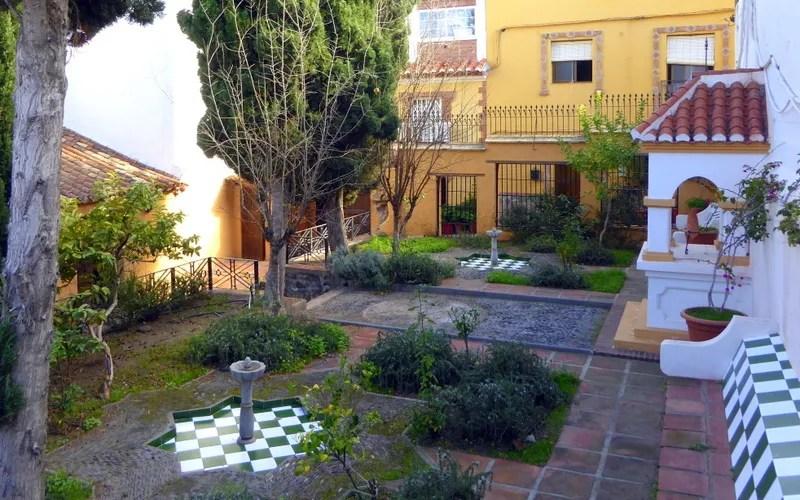 Municipal Pottery CenterCentro de Alfarería Municipal Ceramics Nasrid Garden