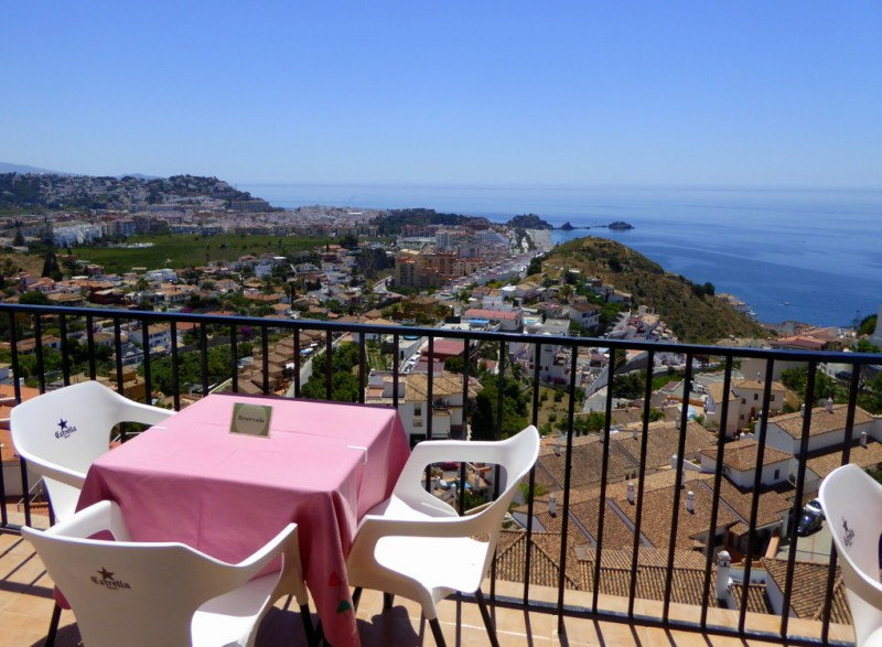 El Mirador De La Corregidora Almunecar. Read more on https://almunecarinfo.com/terrace-restaurants-sky-bar-rooftop-almunecar/