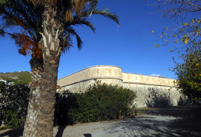 La Herradura Castle is the venue for the annual La Herradura Blues Festival. Read more on Almunecarinfo.com