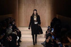 3-معطف أنيق من اللون الأسود