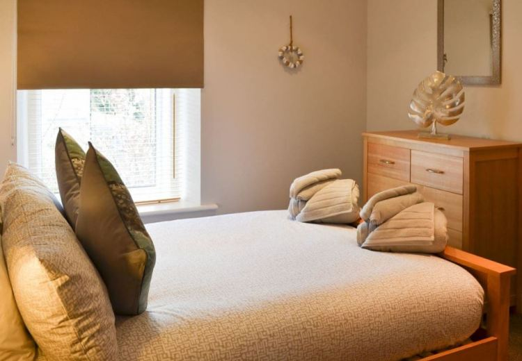 The lovely double bedroom at Alnwick Cottage