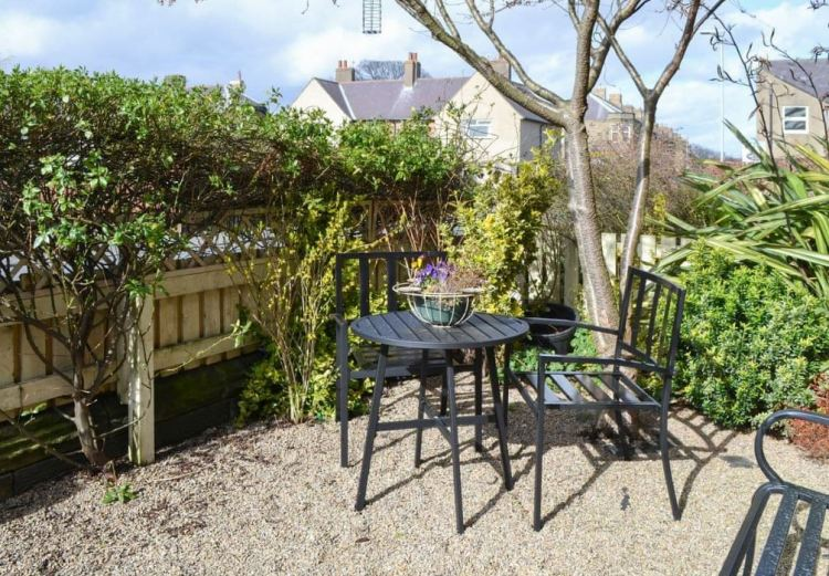 Alnwick Holiday Cottage Front Garden Seating