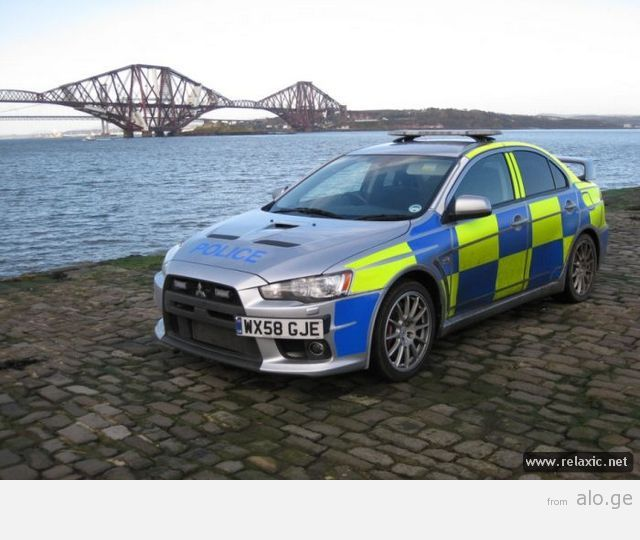 police-car_00035