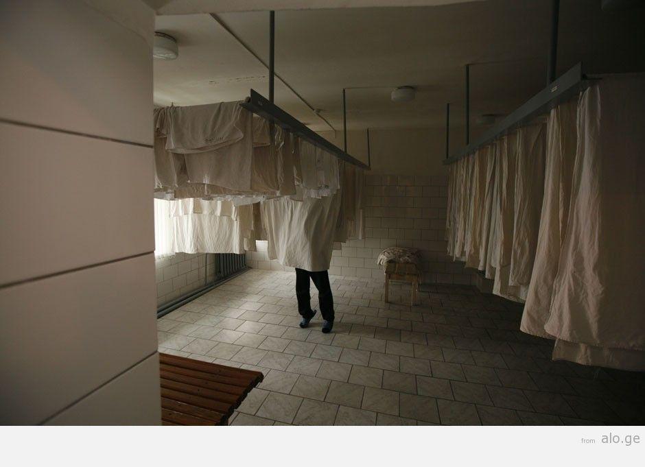 prisons11
