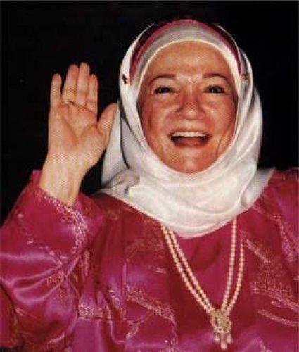 """بالفيديو ..رحم الله الفنانة الكبيرة شادية .. آخر أغنياتها كانت للنبى """"خد بإيدى"""" ووفاة قبل أيام من ذكرى مولده"""