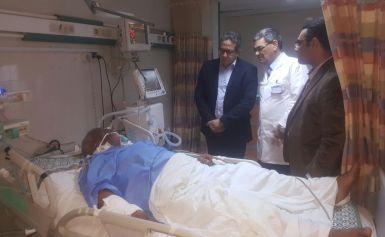 العنانى ووزيرى يزوران مصابى مسجد الروضة وبينهم شيخ خفر أثار العريش