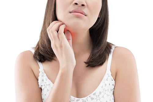 problèmes de peau dans le cou