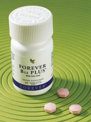Forever B12 Plus i 3 tablete na zelenoj podlozi 2
