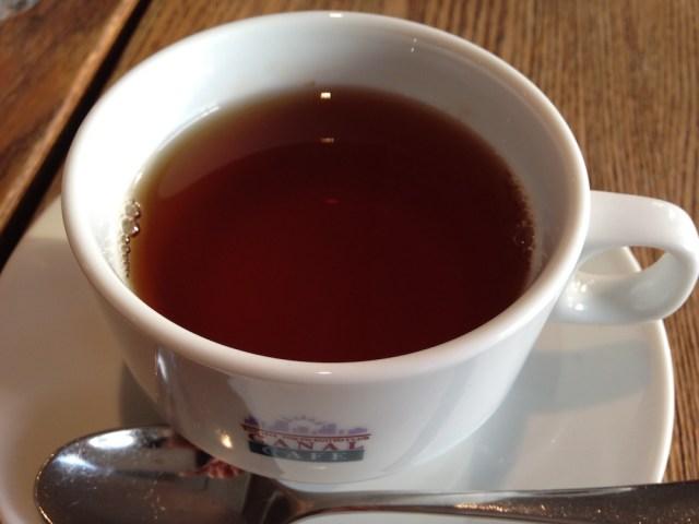 神楽坂エリアのカフェ(カナルカフェ)桜の紅茶