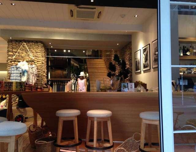 ハワイアンカフェのランチ(トミーバハマ銀座店・バーカウンター1F)