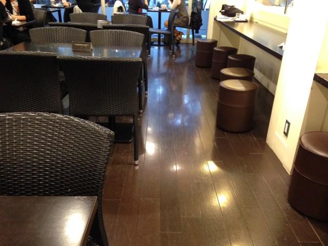 原宿のカフェ(アイランドヴィンテージ・店内1)