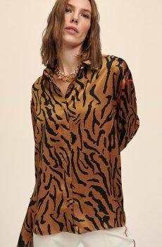 Camisa oversize con estampado tigre
