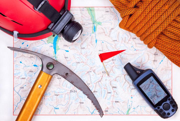 Climbing map with climbing equipment