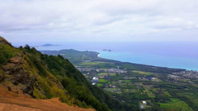 The Mokulua islands (mokes) can be seen off the distance from the top of Kuliouou ridge trail.
