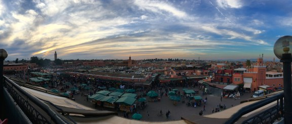 Jemaa al Fna right before the call to prayer