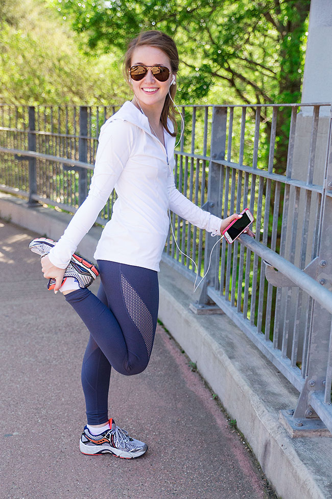 zella, leggings, hoodie, sports bra, saucony triumph 11, ray bans, spring workout, sorority girl, austin, town lake, southern, style, blogger