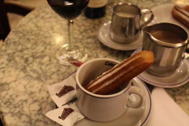 Buenos Aires Food Guide: Churros con Chocolate from Cafe Tortoni, via A Lo Profile