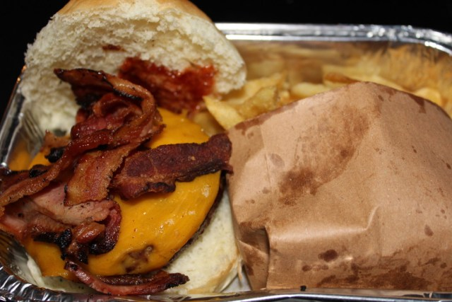 Buenos Aires Food Guide: L' Americain burger from Burger Joint, via A Lo Profile