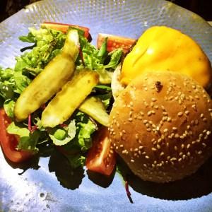 Hamburger from Zuka, Rio travel guide via A Lo Profile