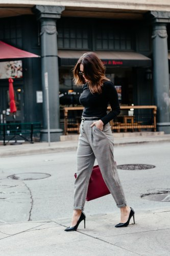 Dallas blogger sharing an outfit with 90s workwear vibes for #WorkwearWednesday featuring high waisted plaid pants and fifteen of the cutest plaid pants you can style for work and play. Click through to shop them all!