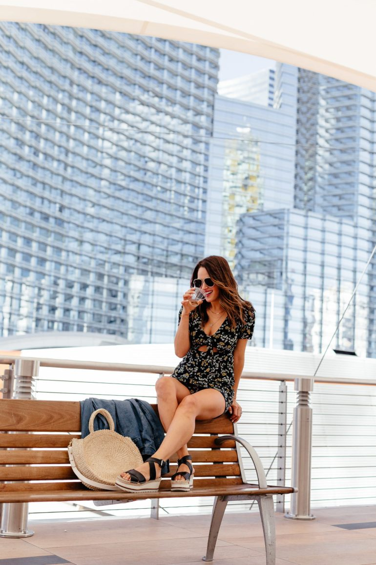 Las Vegas Travel Guide: Dallas blogger sharing her city guide for Vegas including where to stay, where to eat, what to do, and where to spend time in Sin City! #vegas #travelguide #vegasguide #cityguide #lasvegas