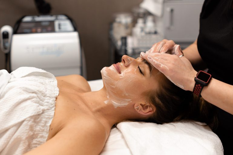 The Salt Facial: Helps you experience immediate results with no downtime Nurtures, detoxifies, hydrates, and promotes healing in the skin in a single treatment Stimulates oxygen production in the skin for that dewy glow, naturally Provides advanced results beyond microdermabrasion for smoother, clearer, healthier skin
