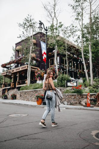 Sharing my Park City Travel guide including a Montage Deer Valley review & my recommendations on where to eat, where to drink, & what to do.
