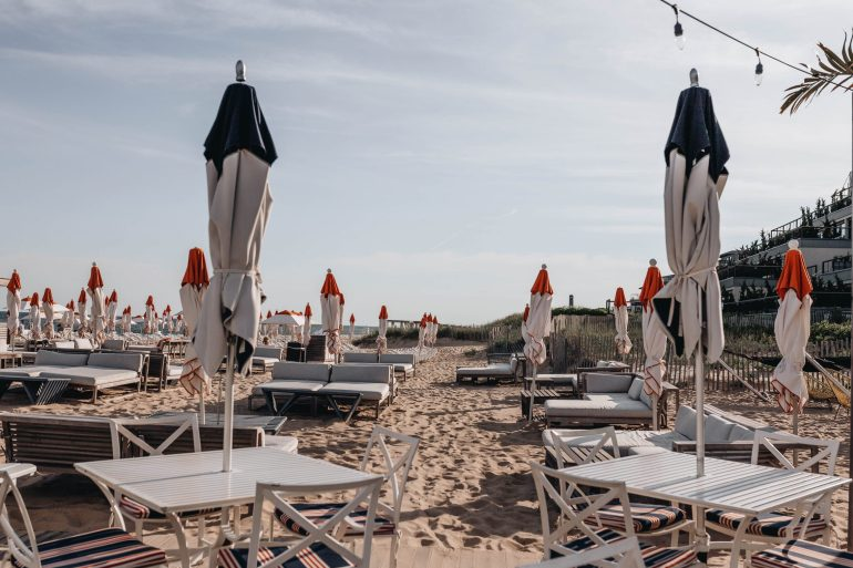 Sharing my Montauk travel guide including why visit, where to stay, where to eat, what to do, & travel tips when visiting the 'end of the world' in NY.