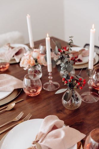 Sharing a simple Valentine's Day tablescape for all of you spending your VDay in this year using beautiful blush or rose as the central color scheme.