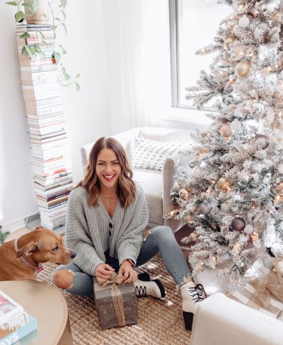 Sharing the ultimate guide to Black Friday & Cyber Week including a list of all the best sales at every retailer & all of my top picks by category.