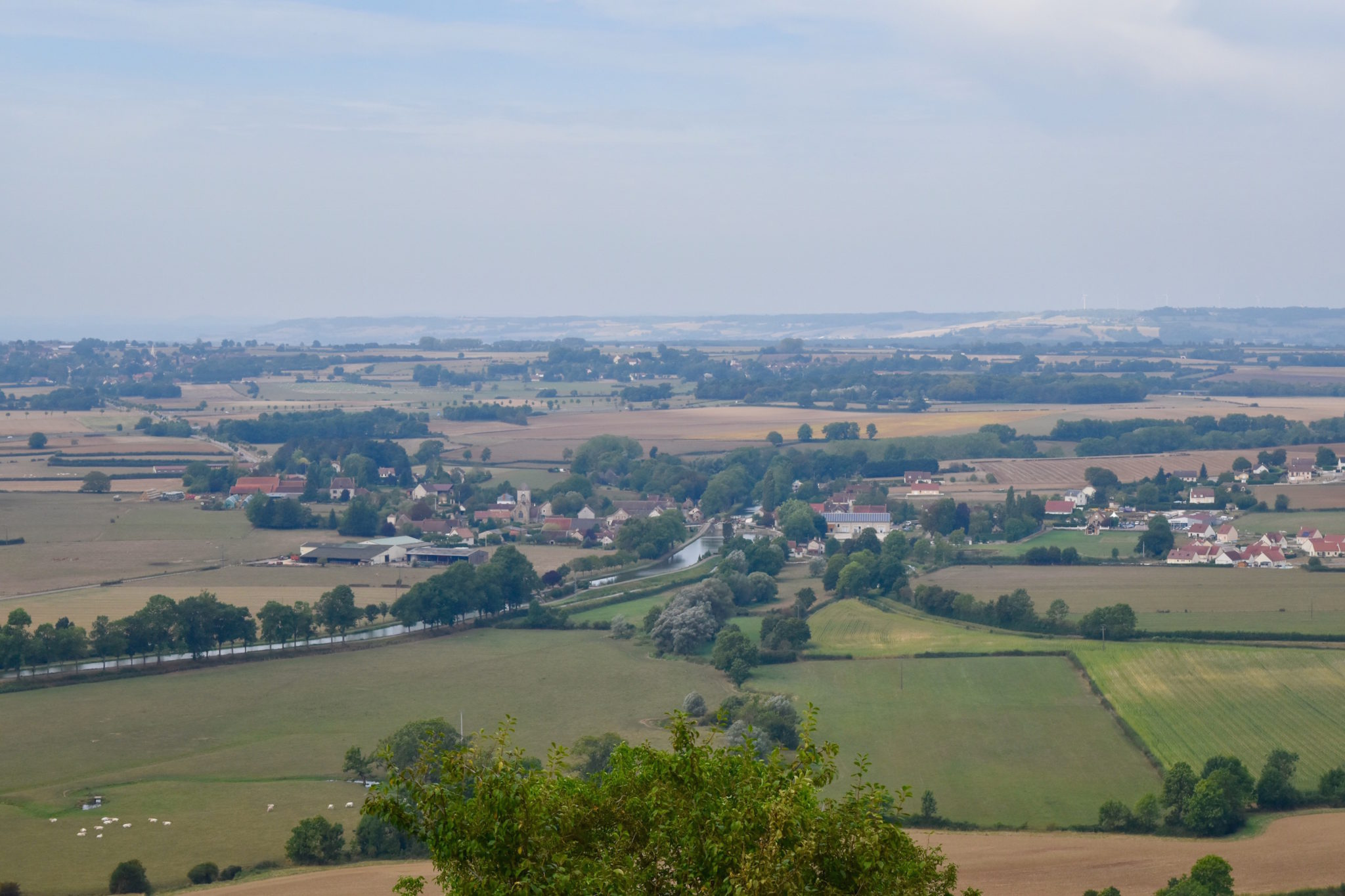 a-lovely-planet-chateauneuf-en-auxois-views