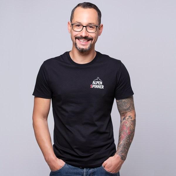 Alpenspinner-T-Shirt-schwarz-Herren-Model-vorne