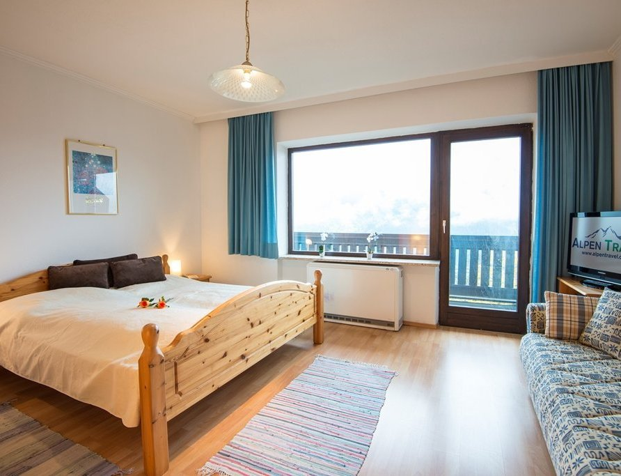 Budget apartment with balcony – (LHBA)