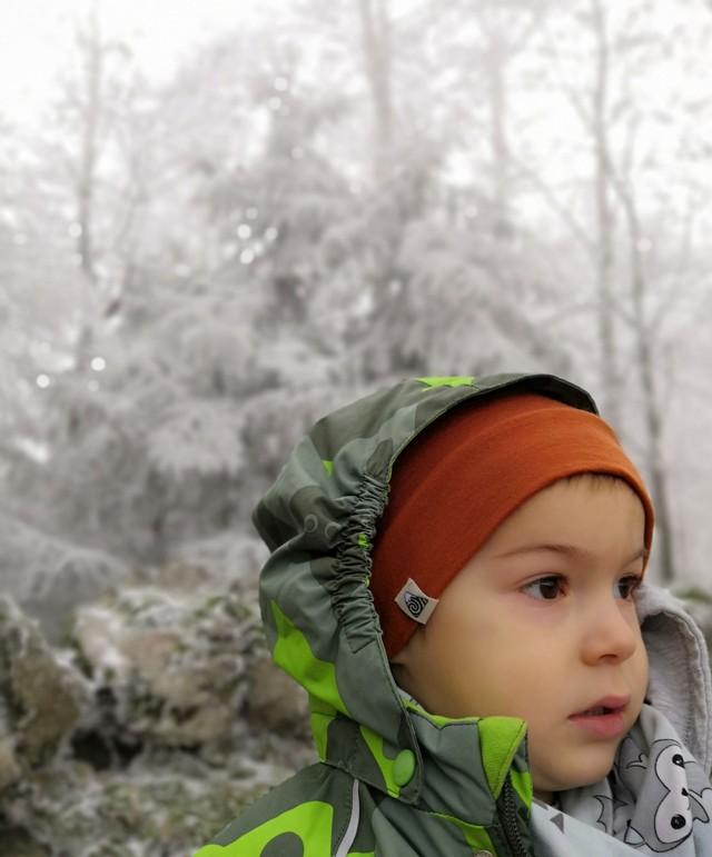 brique bonnet enfant neige