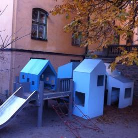 Children's playground in Stockholm Montessori setting - Alphablocks Nursery School, Totteridge