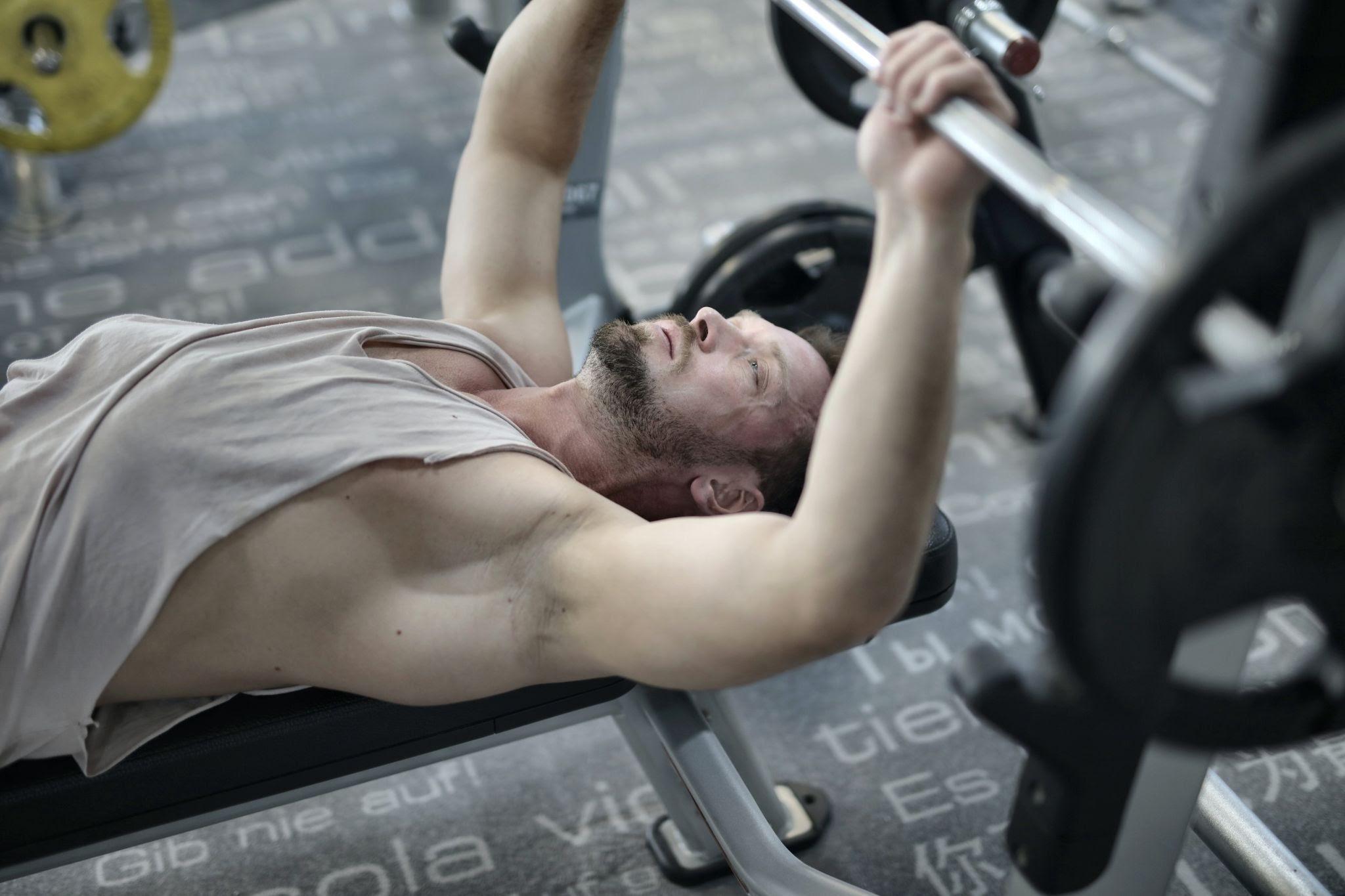 comment devenir plus fort avec la musculation