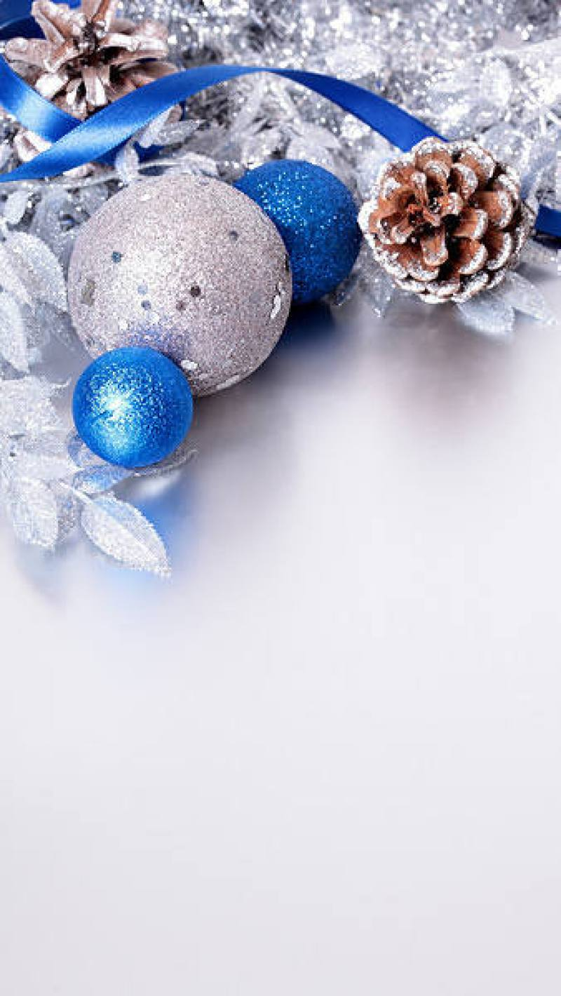 Christmas Silver and Blue iPhone 6S Plus Wallpaper