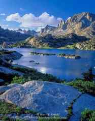 Bridger Wilderness, Wyoming. USA. Fremont Peak and other peaks of Wind River Range above Island Lake. Bridger-Teton National Forest. Rocky Mountains.