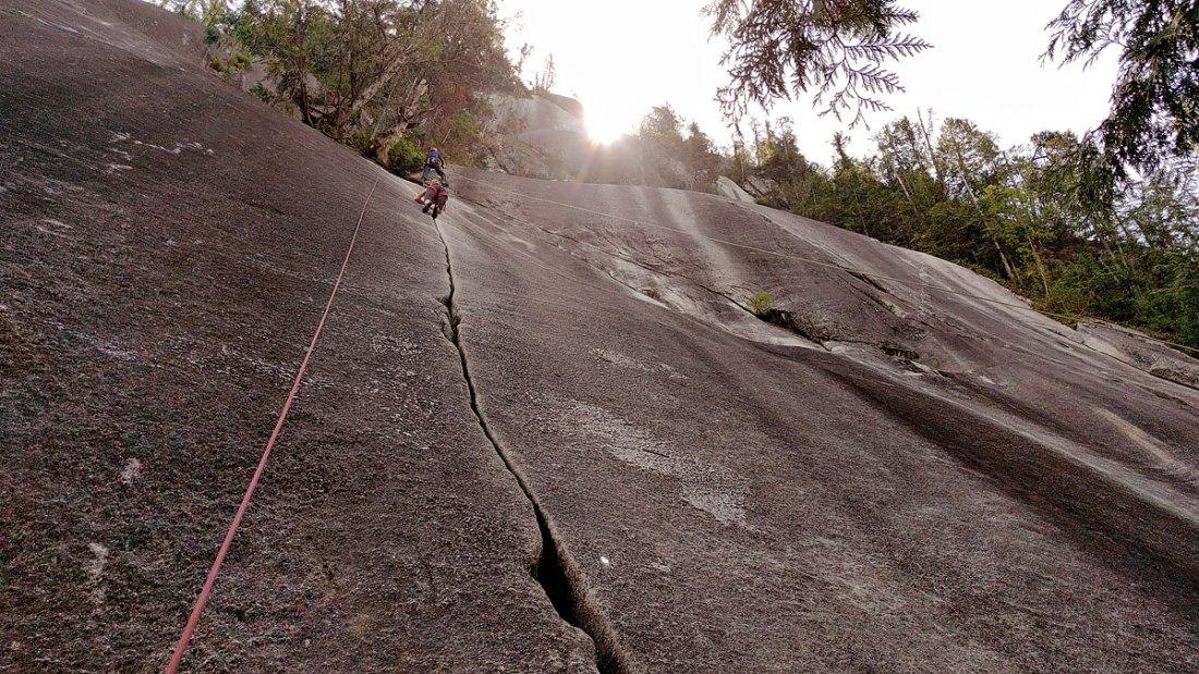 The amazing Klahane Crack at Shannon Falls in Squamish BC