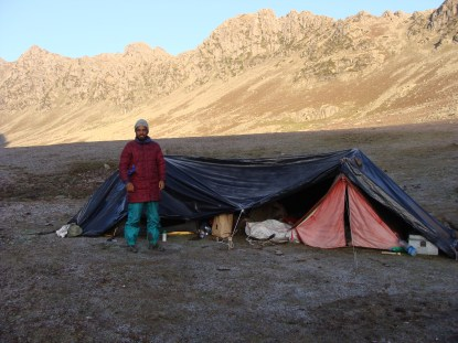 camping in Kashmir himalayas